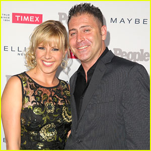 Fuller House's Jodie Sweetin Engaged to Justin Hodak