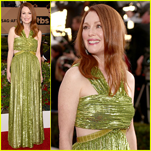 Julianne Moore Is Gorgeous in Green at SAG Awards 2016