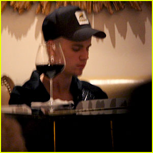 Justin Bieber Plays Piano Alone at Hotel Bar Where He Serenaded Selena Gomez