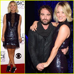 Friendly Exes Kaley Cuoco & Johnny Galecki Hold Hands Backstage at People's Choice Awards 2016