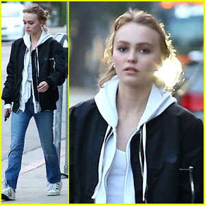 Lily-Rose Depp Shops With Mom Vanessa Paradis