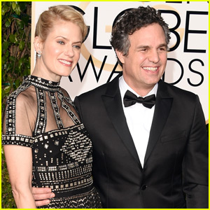 Mark Ruffalo & Wife Sunrise Coigney  Walk the Carpet at the Golden Globes 2016