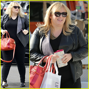 Rebel Wilson Cheers on Kobe Bryant at Lakers Game!