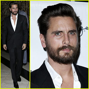 Scott Disick Heads Home After Celebrating New Year's Eve 2016 in Las Vegas