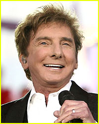 Barry Manilow Rushed to Hospital, May Miss Grammys 2016
