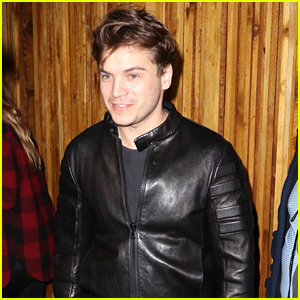Emile Hirsch Greets Fans After Night Out!