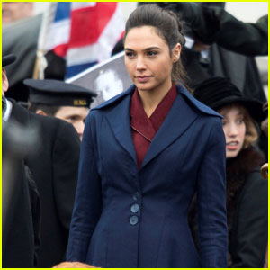 Gal Gadot Films 'Wonder Woman' in London's Trafalgar Square