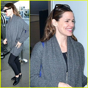 Jennifer Garner Jets Out After Montana Getaway With Ben Affleck