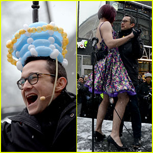 Joseph Gordon-Levitt Is Hasty Pudding Theatricals' Man of the Year 2016