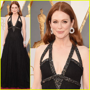 Julianne Moore Makes a Statement in Chanel at Oscars 2016