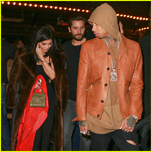 Kylie Jenner Steps Out With Tyga After Nail Collection News