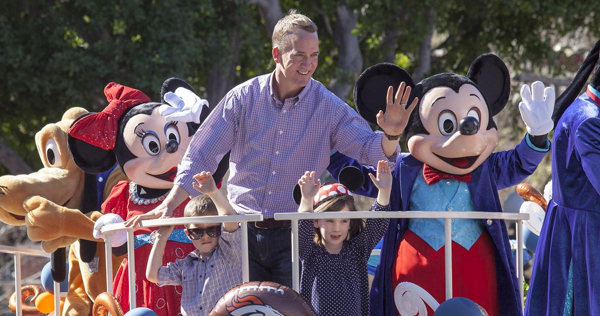Peyton Manning His Kids Ride Float At Disneyland Super Bowl 2016