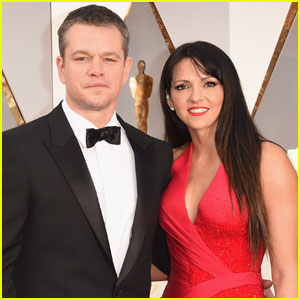 Matt Damon Poses With Wife Luciana on Oscars 2016 Carpet