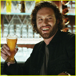 Shock Top's Super Bowl Commercial 2016 Stars T.J. Miller - Watch Now!
