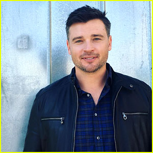 Tom Welling Joins Instagram - See His First Two Photos!