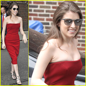 Anna Kendrick Geeks Out & Sings A Showtune With Stephen Colbert - Watch Here!