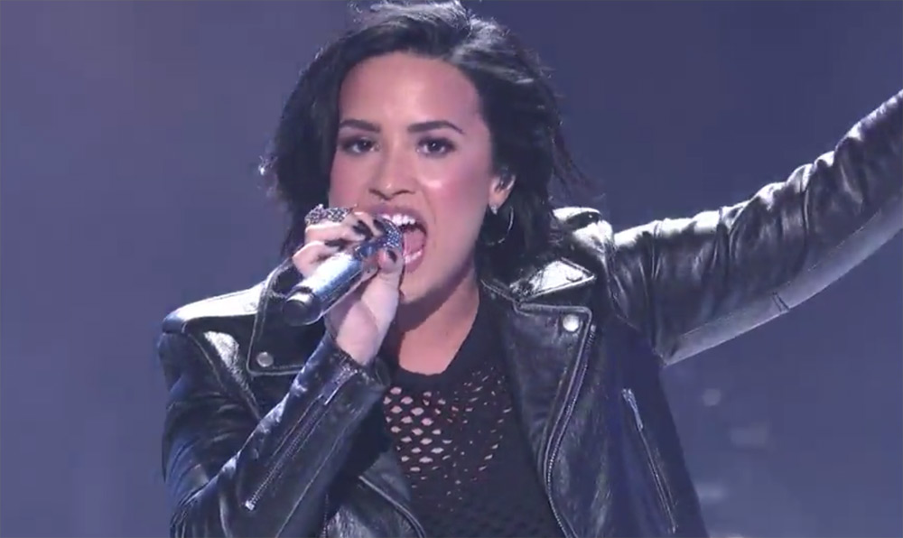 Demi Lovato Performs 'Confident' With 'American Idol' Top 10
