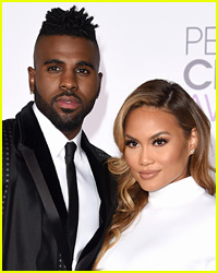 Jason Derulo & Daphne Joy Pack on the PDA at the Beach