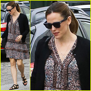 Jennifer Garner & Ben Affleck Reunite with Their Kids for Easter Services