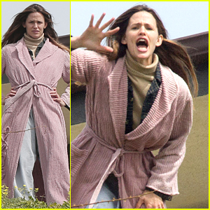 Jennifer Garner Gets Animated on the Set of 'The Tribes'