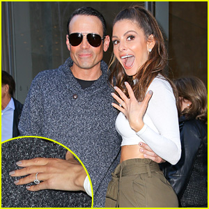 Maria Menounos Shows Off Her Engagement Ring - Details!