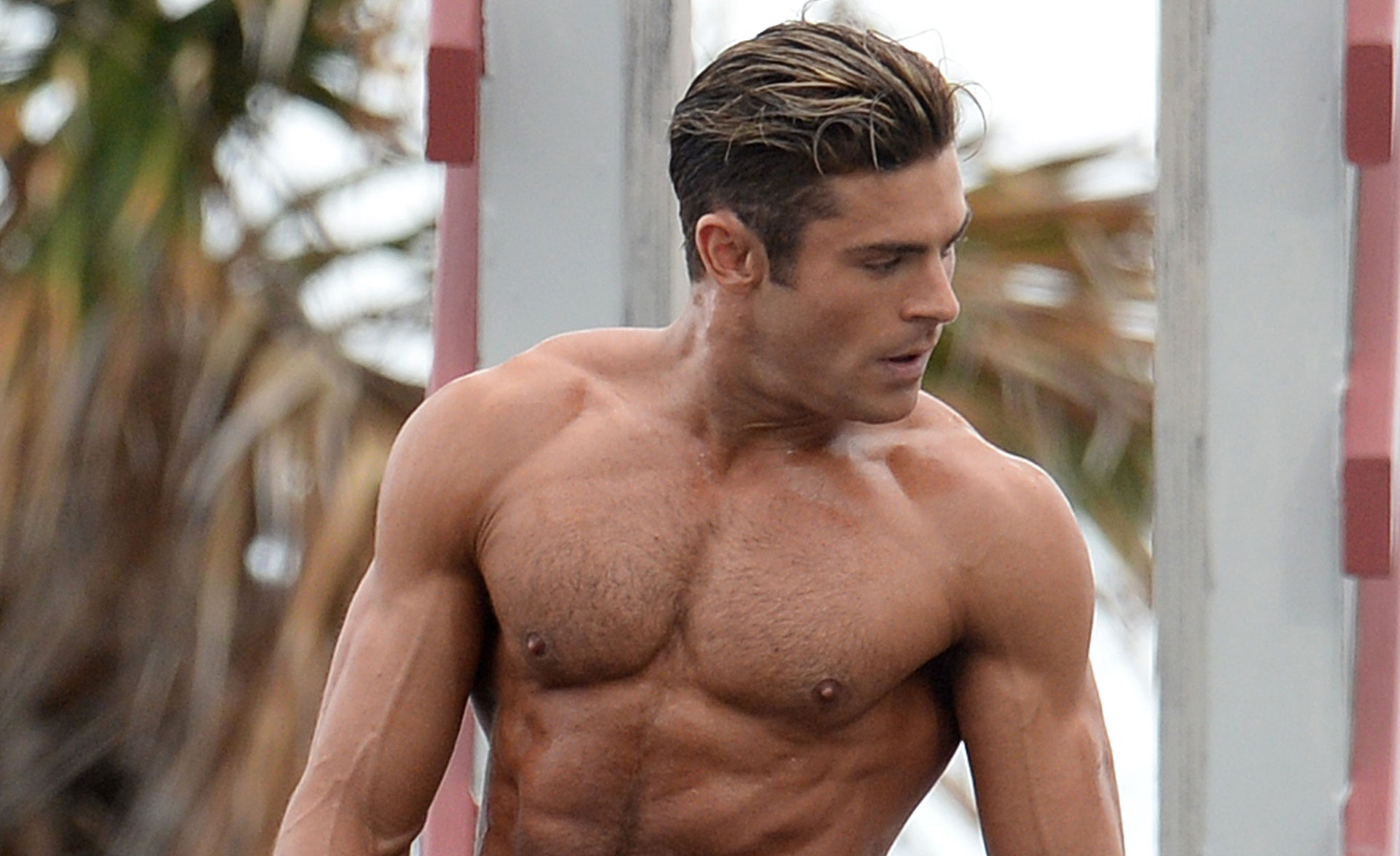 Zac Efron Uses His Ripped Muscles To Complete Baywatch