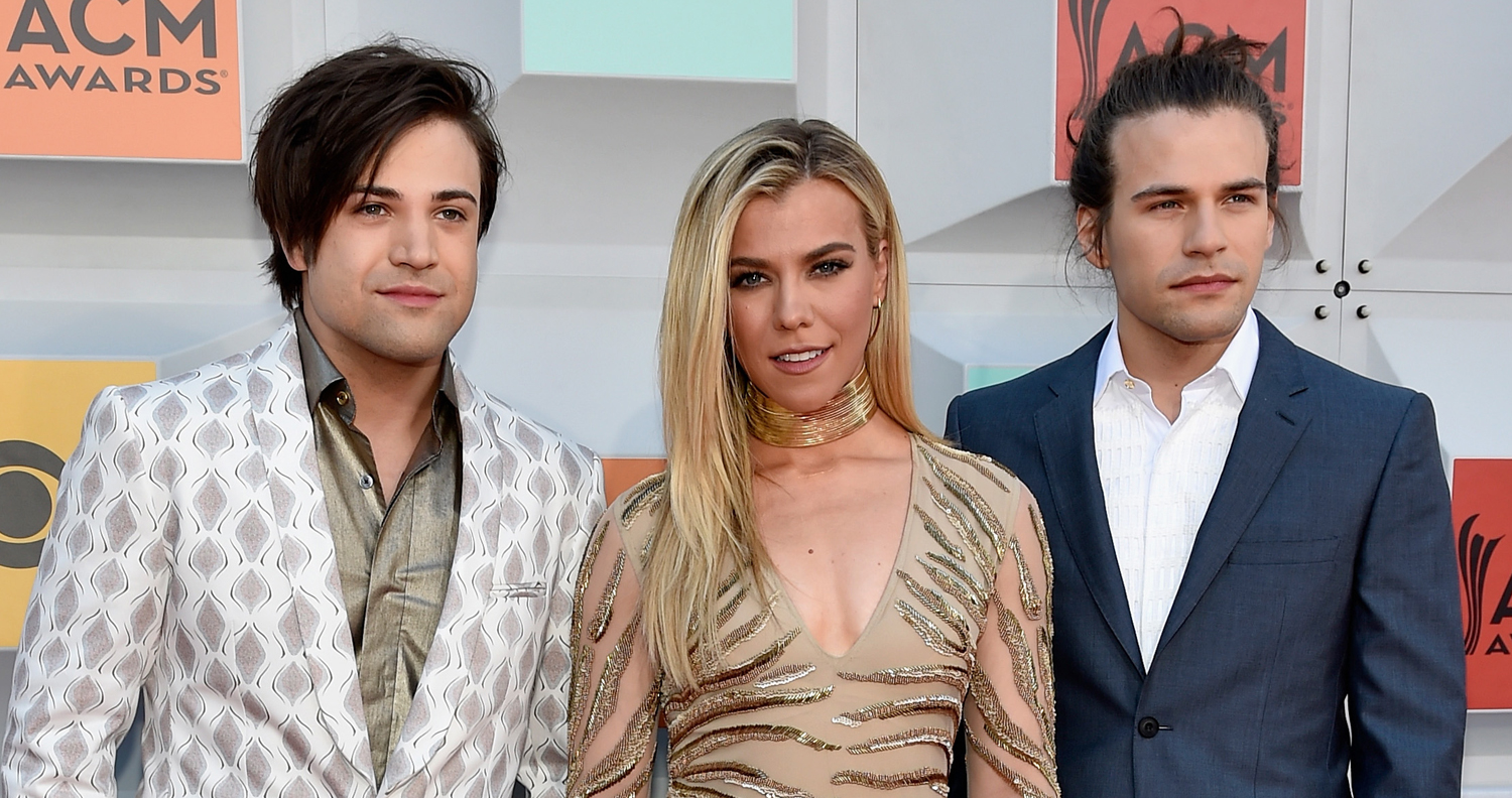 The Band Perry Kicks Off Red Carpet At Acm Awards 2016 2016 Acm