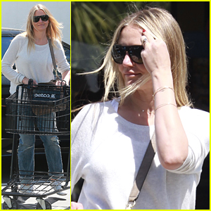 Cameron Diaz Posts Makeup Free Selfie for New Book About Longevity