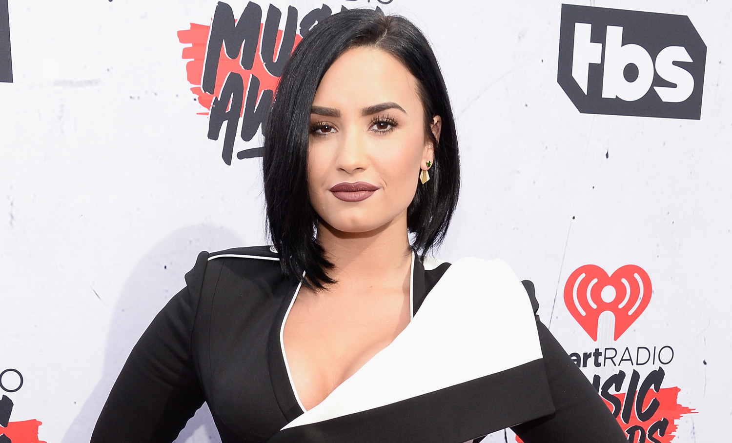 Demi Lovato Rocks the iHeartRadio Music Awards 2016 Red Carpet | 2016 ...