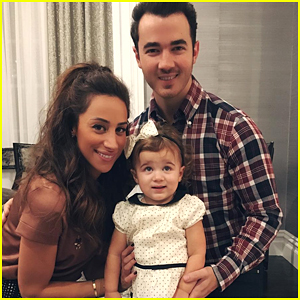 Kevin & Danielle Jonas Are Expecting Baby #2!