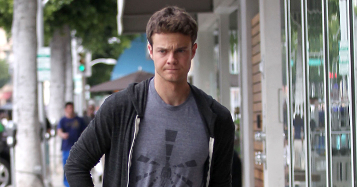Jack Quaid Talks Growing Up With Parents Meg Ryan & Dennis ...