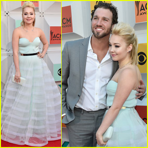 RaeLynn & Husband Josh Davis Walk the ACM Awards 2016 Red Carpet