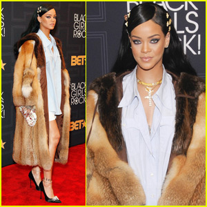 Rihanna Gets the Rock Star Award at BET's Black Girls Rock! Event