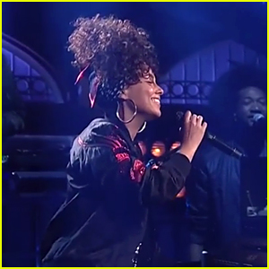 Alicia Keys Performs 'In Common' on 'SNL' - Watch Now!