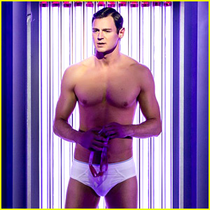 Benjamin Walker's 'American Psycho' to Close on Broadway