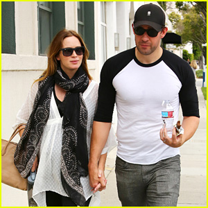 Emily Blunt & John Krasinski Hold Hands on Their Day Date