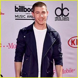 Nick Jonas Makes His Arrival at Billboard Music Awards 2016