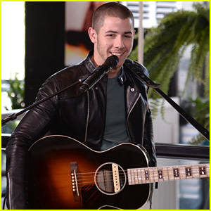 Nick Jonas Performs 'Close' & More for Creative Recreation Sole Sessions