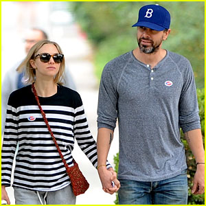 Amanda Seyfried & Thomas Sadoski Hold Hands After Voting!