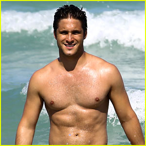 Diego Boneta Shows Off His Buff Chest in Miami!