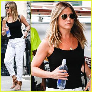 Jennifer Aniston Looks Flawless in New York City Summer Heat