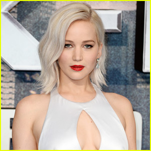 Jennifer Lawrence Joins the Cast of Theranos Medical Drama | Jennifer ...