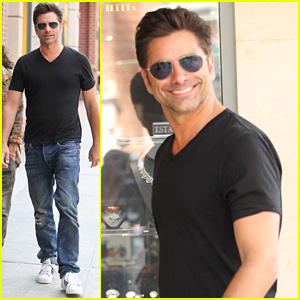John Stamos Shares a Shirtless Selfie From Bed!