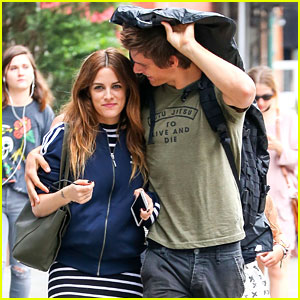 Riley Keough & Hubby Ben Smith-Petersen Cuddle Up in NYC