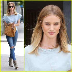 Rosie Huntington-Whiteley Shares Beauty Routine on Snapchat
