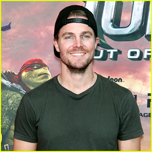 Stephen Amell Hits Philly for 'TMNT' Screening