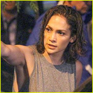 Jennifer Lopez Snaps a Selfie with Lin-Manuel Miranda!