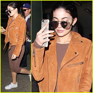 Kylie Jenner Hides Her True Self From Social Media