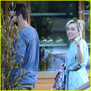 Miley Cyrus & Liam Hemsworth Spend the Holiday Weekend in Malibu