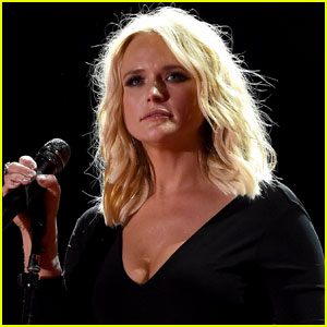Miranda Lambert Tears Up in Concert While Singing Song She Wrote With Ex Blake Shelton (Video)